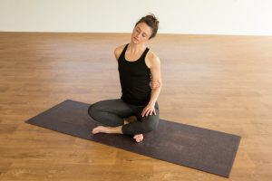 yin yoga sequence  for back pain  naturalbisou